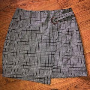 Seek Skirt